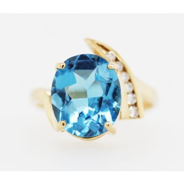 Estate 14K Yellow Gold Oval Blue Topaz Diamond Bypass Ring