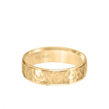 ArtCarved 6MM Men's Classic Wedding Band - Hammered Finish and Step Edge in 14k Yellow Gold